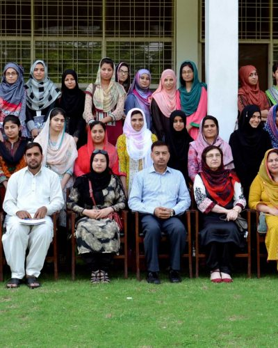 Group photo with participants of seminar